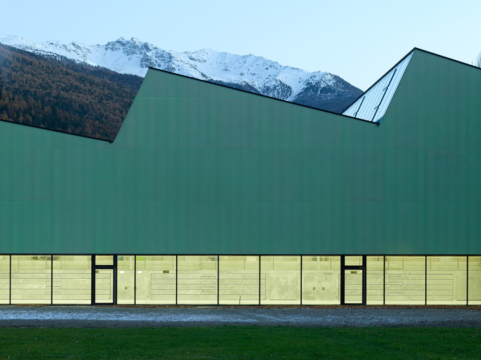 three-in-one sports center, visp